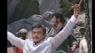 yeh haath mujhe De De thakur a scence from film sholay(thakur & gabbar)