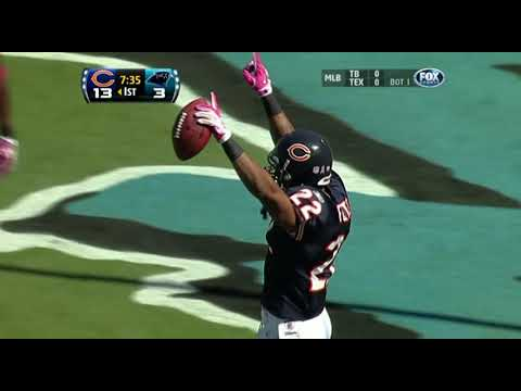 [Lowlights] Week 5 2010- The Bears and Panthers set QB play back 100 years: 4 QB's put up a combined 147 passing yards and 7 interceptions. They would have been better off on this day if they did nothing but spike the ball into the ground on every single play.