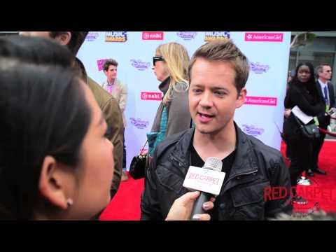 Our interview with Jason Earles #KickinIt at the 2015 Radio Disney Music Awards #RDMAs #RedCarpet