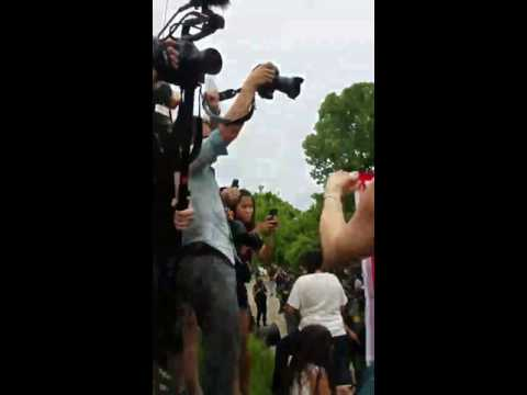 Military Style Police begin to arrest BLM protesters at Baton Rouge 10/07/2016