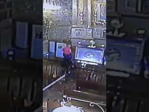 Mujer roba custodia de oro en iglesia de Cuautitlán
