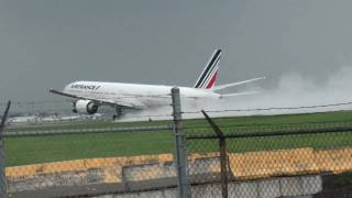 AIR FRANCE BOEING 777 TAKEOFF DURING THUNDER STORM