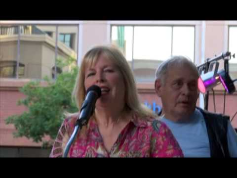 Candy Clark and Bo Hopkins inducted into Modesto Walk of Fame