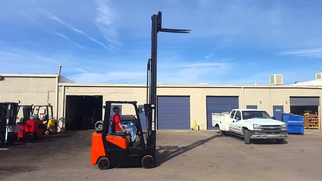 2002 Daewoo GC25P-3 Forklift for Sale in Phoenix, AZ - 5000lb  Capacity/Triple Mast/GM Engine