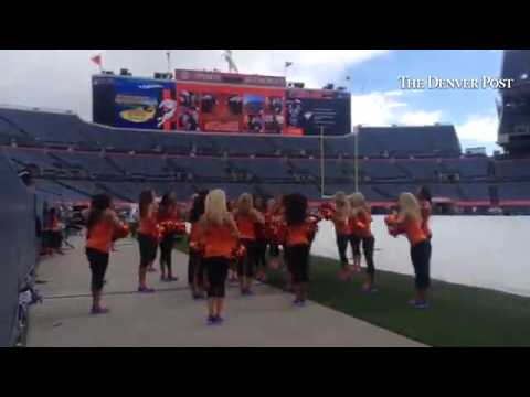 #broncos cheerleaders warm up before the #broncos #seahawks game #Thursdaynightfootball @TroyRenck