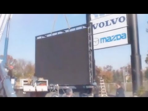 Building LED Digital Screen On I480 Highway Billboard Display