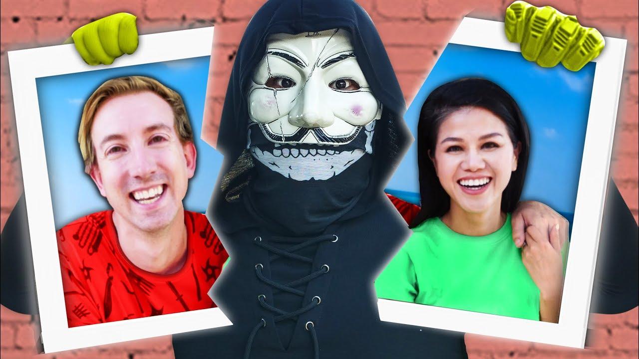 WHO KNOWS HACKER PZ9 BETTER? Girlfriend VS Boyfriend Wins 24 Hour Challenge  to Reveal Vy's Secrets