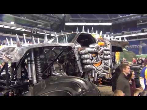 Sneak Peak Pit Party of Monster Jam  Indianapolis 2017 Lucas Oil Stadium Preview