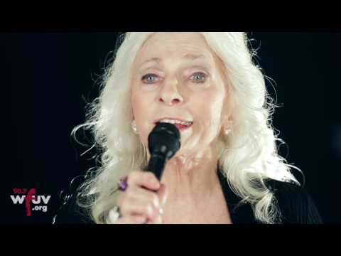 "Judy Collins and Ari Hest - ""Silver Skies Blue"" (Live at WFUV)"