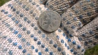 В поисках золота! Монеты на поле.(Как мы ищем монеты на поле.Очередной коп с Колей Чемпионом!Старые деревни,интересные находки,ну и красивая..., 2014-07-25T09:01:51.000Z)