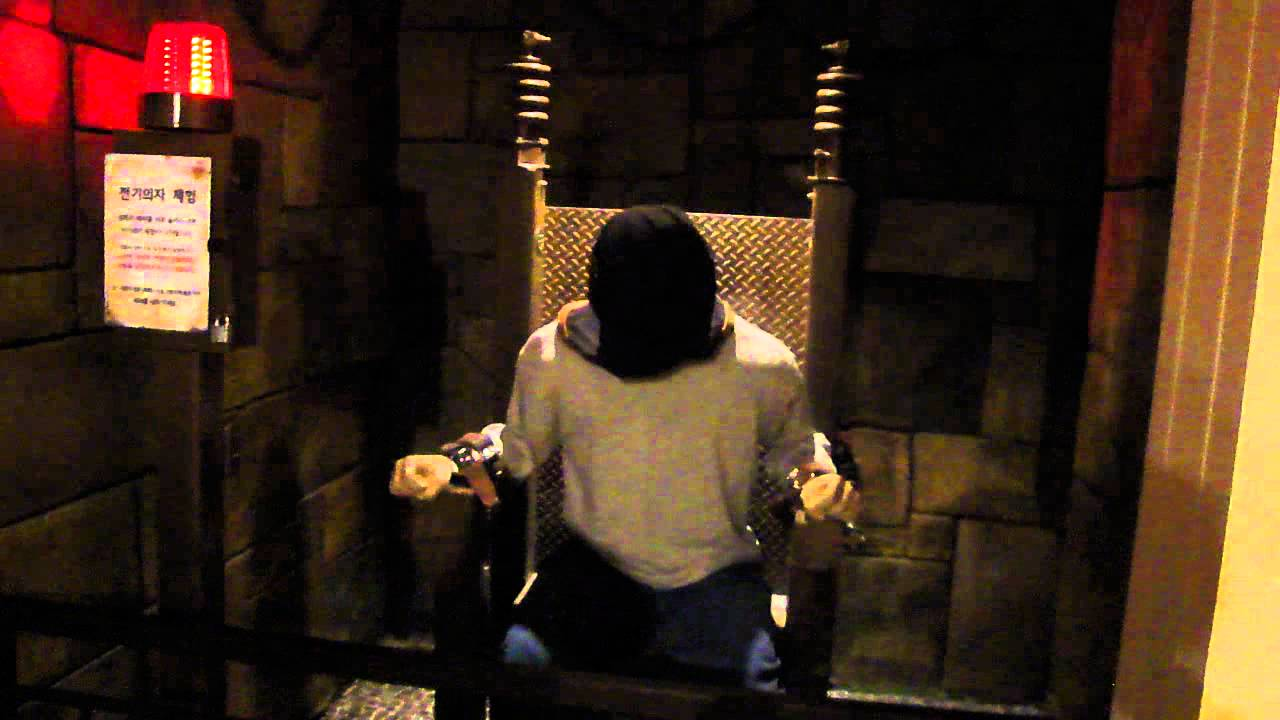 Real electric chair execution photos - Mock Electric Chair Execution In Ripley S Believe It Or Not Museum On Jeju Island South Korea Youtube