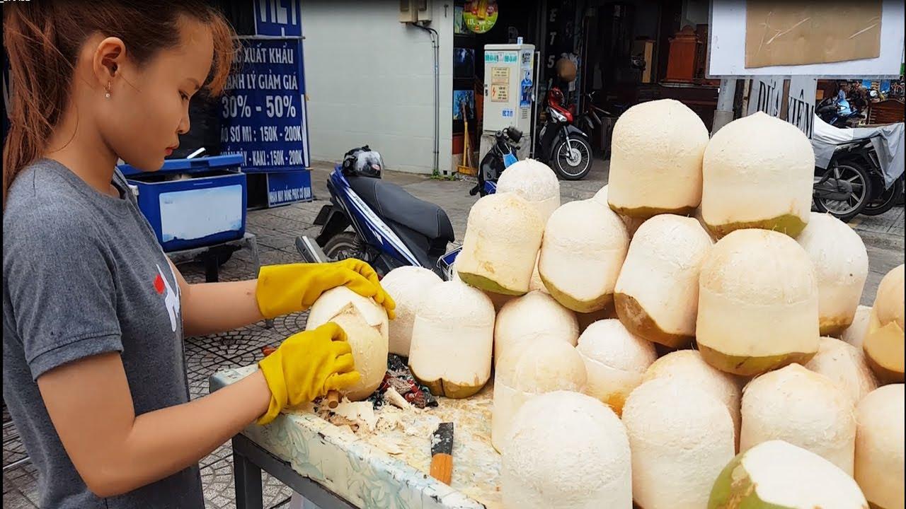 Em gái xinh gọt dừa cực siêu trên đường phố Sài Gòn | street food of saigon