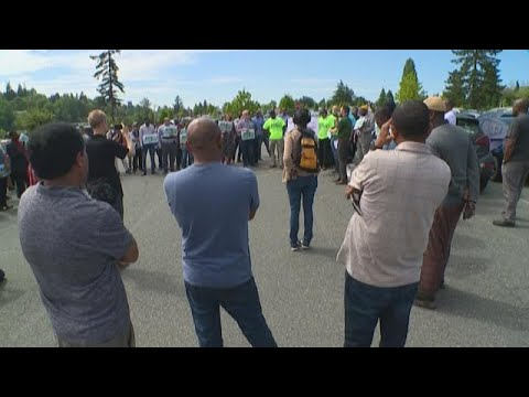 Uber/Lyft drivers protest pay