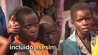 Refugiados congoleños cruzan el Lago Alberto hacia Uganda