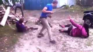 Пьяная драка в селе мортал комбат, дабстеп...)) A drunken brawl in a Russian village