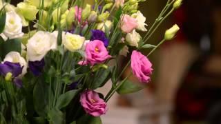 Букет с эустомы | Букет-Экспресс - служба доставки цветов.(Доставка цветов и букетов по Киеву, Украине и миру. Работаем 24 часа в сутки и 7 дней в неделю. Доставляем цвет..., 2014-11-09T17:37:02.000Z)