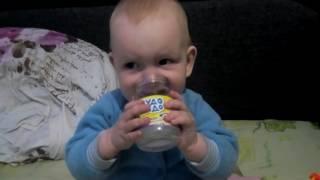 Ребенок играет) нам 10 месяцев)