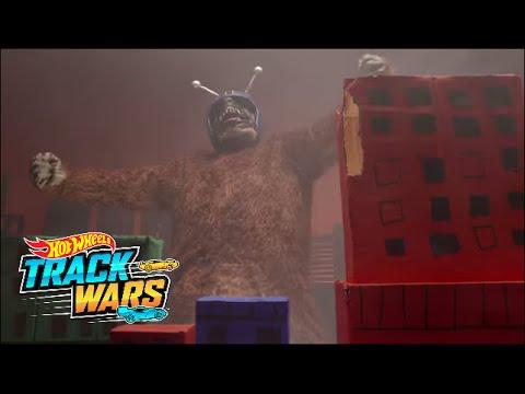 """Serangan Monster Mega""  Track Wars  Hot Wheels"