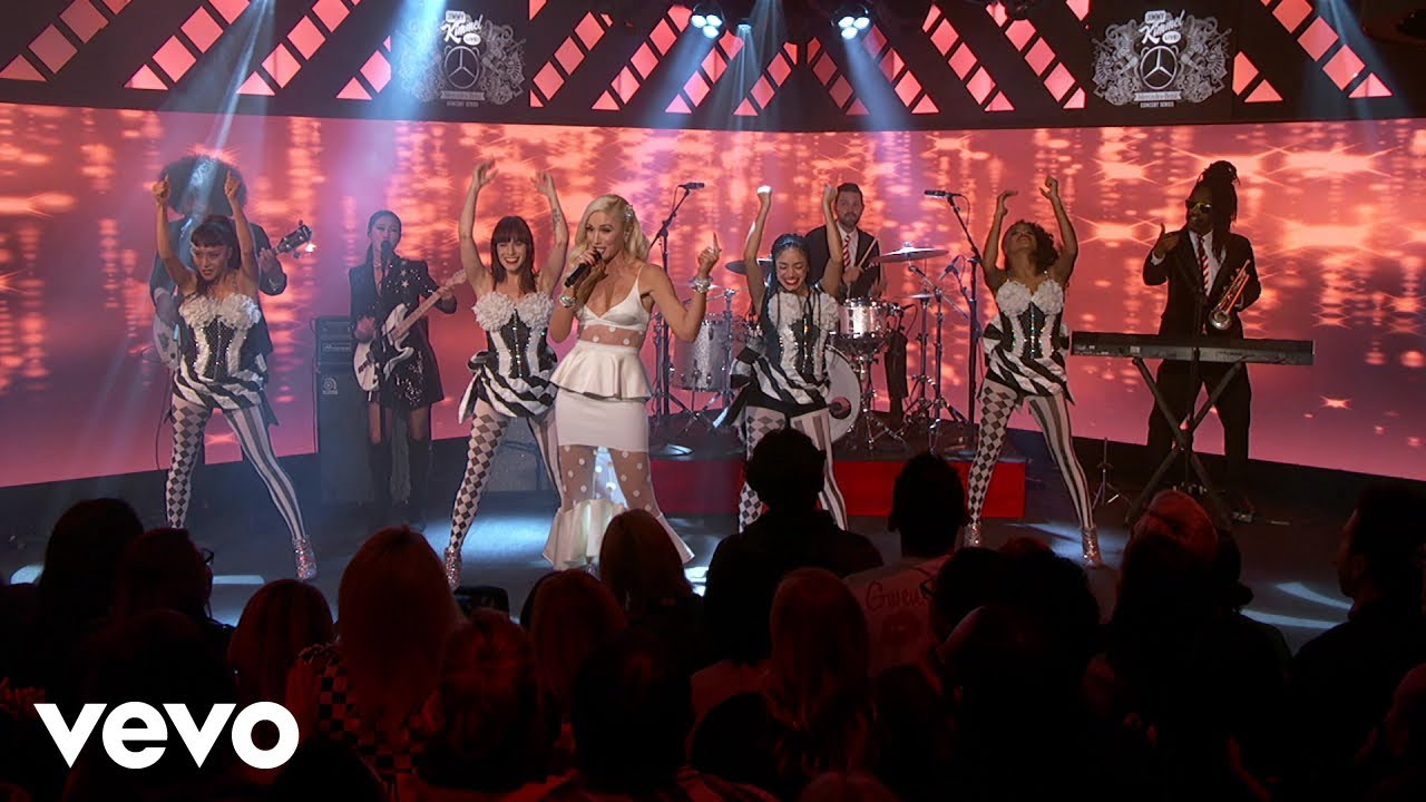 Gwen Stefani rocks out in winter white during performance on NBC's ...