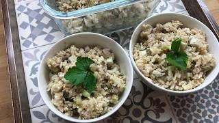 Рисовый салат с яйцом и шпротами