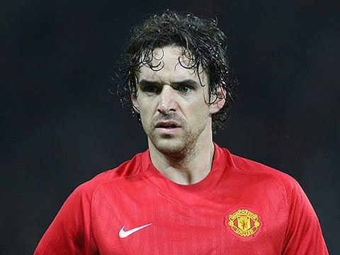 7 players who have played for Manchester United and Manchester City
