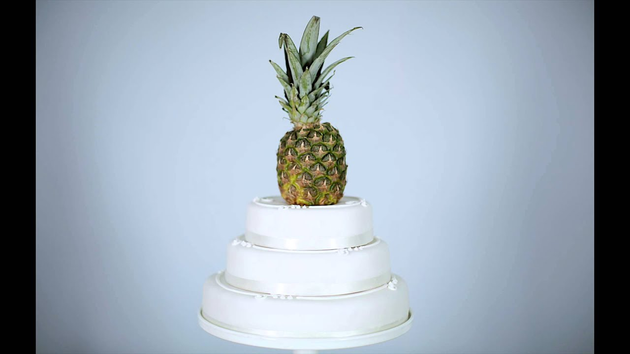 Budget DIY Wedding Cake Ideas Polaroid Pineapple