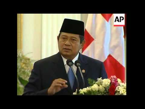 President Yudhoyono meets Swiss President, comments on floods