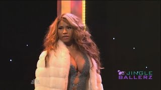 Nicki Minaj Spoofs Beyonce on 'SNL'