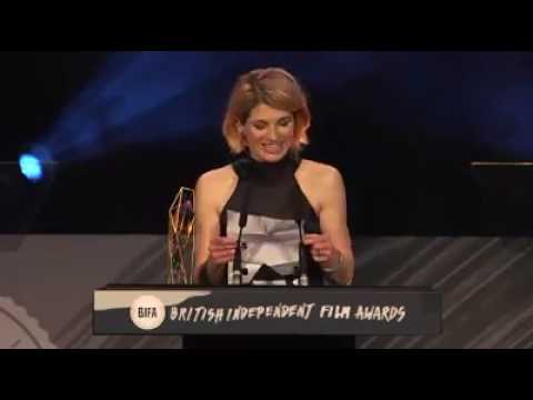 Jodie Whittaker collects Brett Goldstein's Best Supporting Actor trophy at BIFA2016!