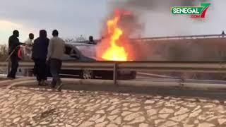 une voiture prend feu a la sortie de l'autoroute