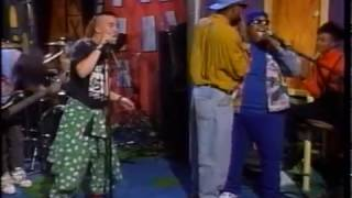 "FAITH NO MORE - Epic & Edge Of The World - December 26, 1990 ""Da Show"" MTV (480p)"