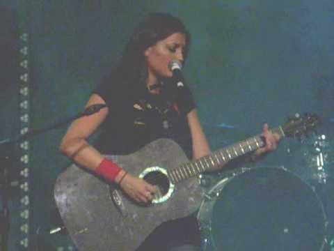 Barlow Girl - Porcelain Heart (Live)