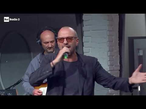"""Biagio Antonacci canta """"Iris"""" al Biagio Antonacci Day"""