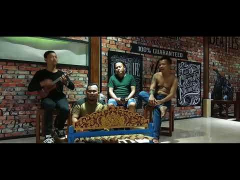 Lolot - Capung Gantung (Ukulele dan Rindik) live at Gianyar Cafe & Resto