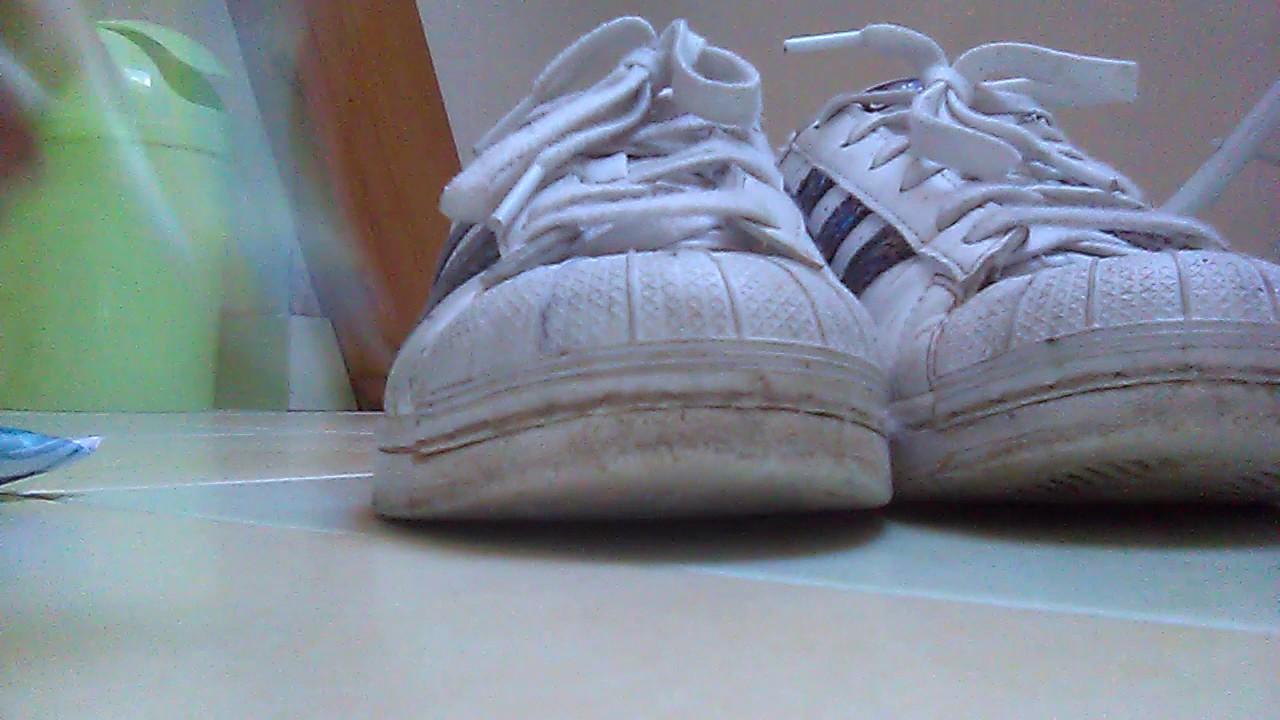 Ses Laver Chaussures Dentifrice Avec Du FqTdvTXw