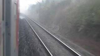 2302 Howrah Rajdhani Express Speeds towards Koderma amidst Thick Fog