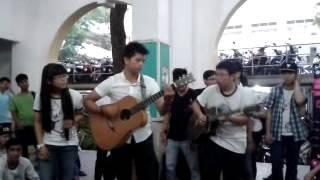 Guitar Kinh Tế UEHG - Tóc Hát