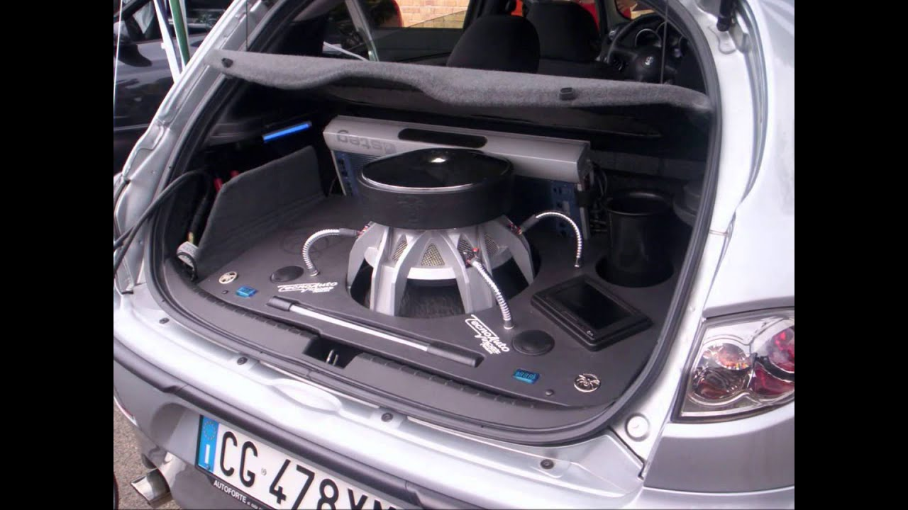 Autos con sonido skrillex youtube for Coches con silla para carro