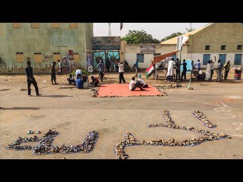 السودان: نسب التمثيل ورئاسة المجلس السيادي.. أبرز خلافات المعارضة والجيش  - نشر قبل 30 دقيقة