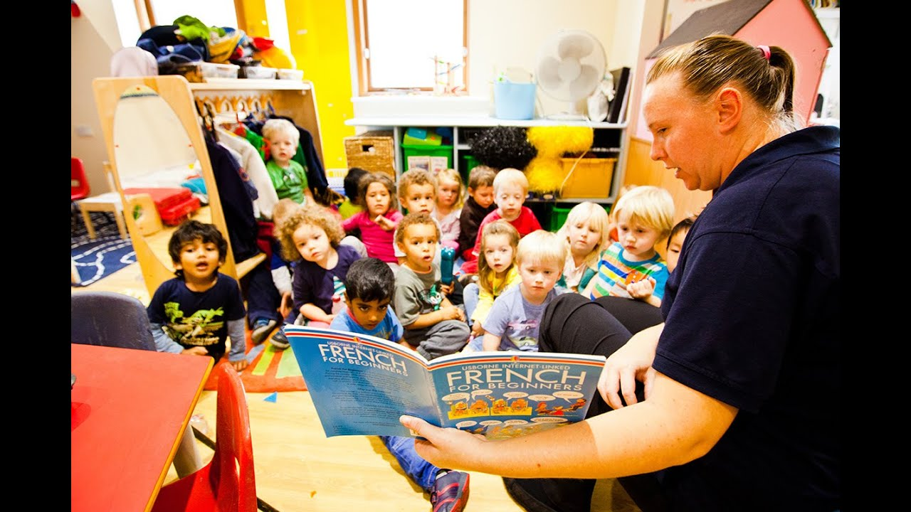 Pre School Children Learning French At Kiddi Caru Day Nursery