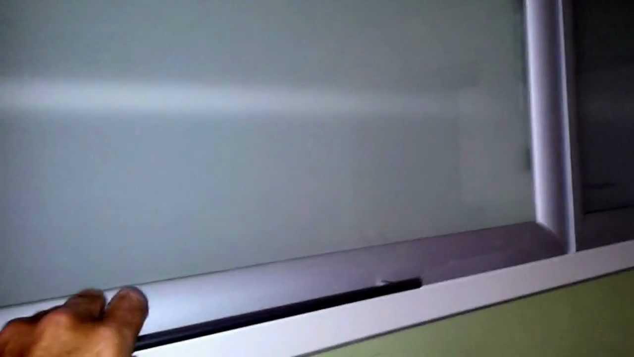Fabrica muebles de cocina alacenas con puertas vidriadas for Muebles de cocina con puertas de cristal