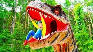Сеня и Папа убегают от Оживших Динозавров