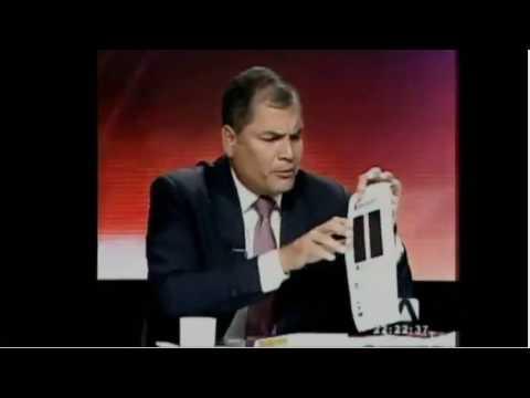 Rafael Correa pone en su lugar a Andres Carrion