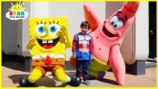 Ryan meets SpongeBob at Universal Studios Amusement Park! thumbnail