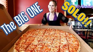 THE BIG ONE!  FOX'S PIZZA DEN ~ SOLO PIZZA CHALLENGE ~ MOM VS FOOD ~ PIZZA FOR ONE