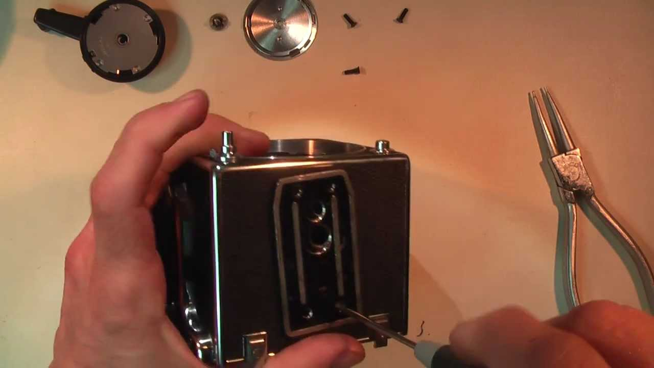 Opening a Hasselblad 500cm and sound of the shutter