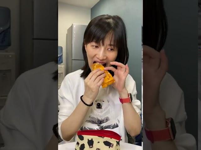 papi酱 - 女生化妆后【papi酱的迷你剧场】