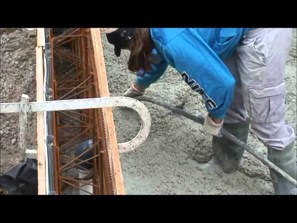 Video aqua et terra construction de piscine 34 youtube for Construction piscine 34