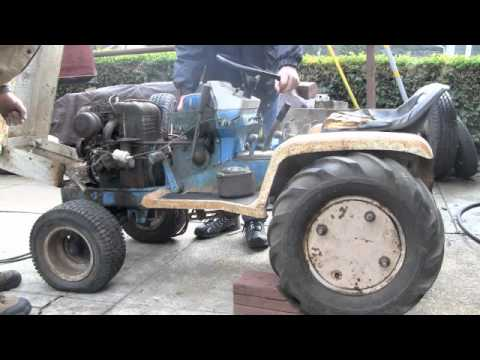 1973 Montgomery Ward Gilson 16 Variable speed hydrostatic tractor