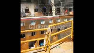 Imágenes del incendio ocurrido en la cubierta de botes del 'Carnival Triumph'